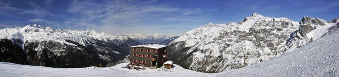 Cottage di Elfer nelle alpi di Stubai Immagini Stock