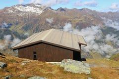 Cottage di legno nelle alpi, Austria Immagini Stock Libere da Diritti
