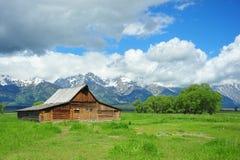 cottage e montagna Immagini Stock Libere da Diritti