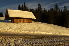 Cottage en hiver Photo stock