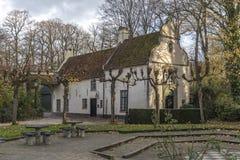 Cottage en Parque Del Amor De Brujas Minnewater Park Image stock