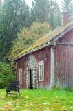 Cottage finlandais très vieux Images libres de droits