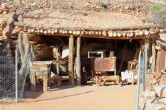 Cottage historique des mineurs opales dans Andamooka, Australie du sud images libres de droits