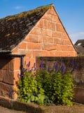 Cottage inglese del paese del villaggio Immagini Stock Libere da Diritti