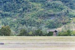 Cottage italiano delle alpi Immagini Stock