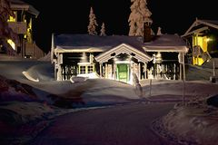 Cottage la nuit Photos stock