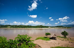 Cottage lungo il fiume di Mekong Fotografia Stock