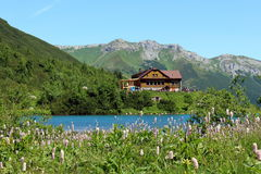 cottage mountain s στοκ εικόνα με δικαίωμα ελεύθερης χρήσης