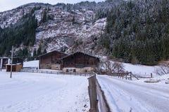 Cottage nelle alpi Immagine Stock