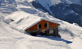 Cottage in neve Immagini Stock