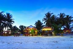 Cottage per affitto vicino all'isola Indonesia del singkep della spiaggia Immagini Stock