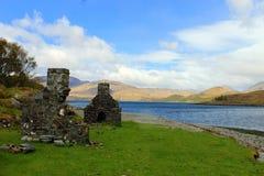 Cottage rovinato sull'isola Mull immagini stock