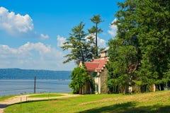 Cottage singolare sul Hudson immagine stock libera da diritti