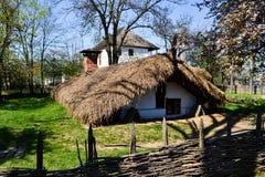 Cottage tradizionale del paese Fotografia Stock Libera da Diritti