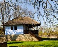 Cottage tradizionale 2 del paese Immagini Stock Libere da Diritti