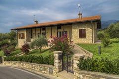 Cottage tradizionale in Italia del Nord Fotografia Stock Libera da Diritti