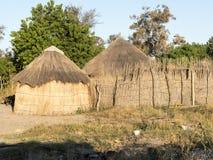 Cottage tradizionale nel Botswana del Nord fotografie stock libere da diritti