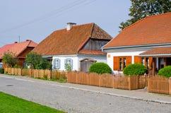 Cottage tradizionali Tykocin - in Polonia immagini stock libere da diritti