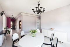 Cottage vibrant - intérieur lumineux image stock