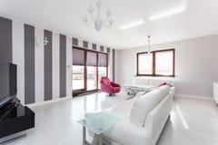 Cottage vibrant - salon image libre de droits