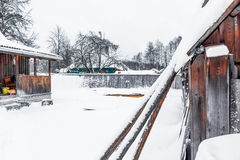 Cottage yard in winter Royalty Free Stock Photos