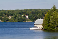 Cottages on Lake Muskoka Royalty Free Stock Photography