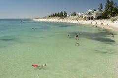 cottesloe perth пляжа Австралии западный стоковые фотографии rf