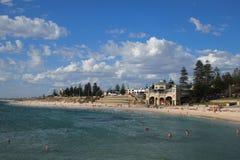 Cottesloe-Strand nahe Perth, West-Australien stockfotografie