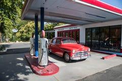 """COTTONWOOD, †de AZ """"2 de julio Una gasolinera del vintage en la exhibición en la ciudad vieja el 2 de julio de 2017 en el Cotto Imágenes de archivo libres de regalías"""