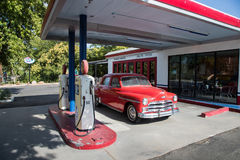 """COTTONWOOD, †de AZ """"o 2 de julho Um posto de gasolina do vintage na exposição na cidade velha o 2 de julho de 2017 no Cottonwoo Imagens de Stock Royalty Free"""