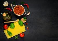 Cottura degli ingredienti con lo spazio della copia Immagini Stock Libere da Diritti