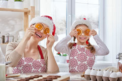 Cottura dei biscotti di Natale Fotografie Stock