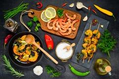 Cottura dei frutti di mare dei gamberetti Immagini Stock Libere da Diritti