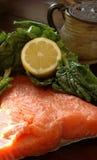 Cottura dei salmoni Fotografia Stock Libera da Diritti
