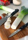 Cottura dei vegatables nella cucina Immagini Stock Libere da Diritti