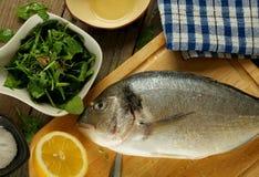 Cottura del pesce di Dorado Fotografie Stock