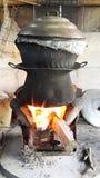 Cottura del riso appiccicoso fotografia stock
