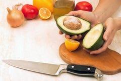 Cottura dell'avocado immagini stock libere da diritti