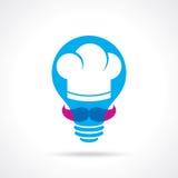 Cottura dell'idea con il cuoco unico in una lampadina Immagine Stock