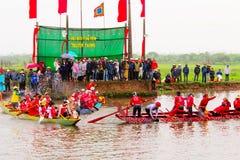 Cottura della concorrenza sul fiume Immagini Stock