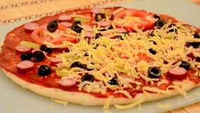 Cottura della pizza stock footage