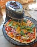 Cottura della pizza casalinga Fotografia Stock