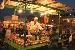 Cottura delle lumache a Marrakesh Immagini Stock