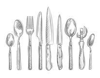 cottura Insieme disegnato a mano degli strumenti della cucina - cucchiaio, forcella, coltello, apribottiglie, cucchiaino illustrazione vettoriale