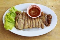 Cou de nourriture thaïlandaise mise le feu par porc Image libre de droits