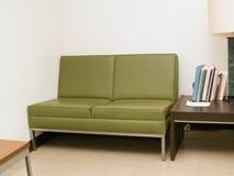 couch old Στοκ φωτογραφία με δικαίωμα ελεύθερης χρήσης