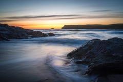 Coucher de soleil chez Polzeath Photographie stock libre de droits
