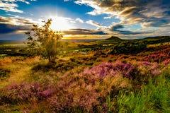 Coucher du soleil à l'écrimage de Roseberry, North Yorkshire photographie stock libre de droits