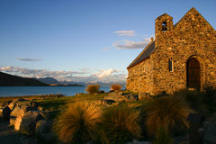 Coucher du soleil à l'église du bon berger, île du sud, Nouvelle-Zélande Image libre de droits