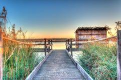 Coucher du soleil à l'étang en Sardaigne photographie stock